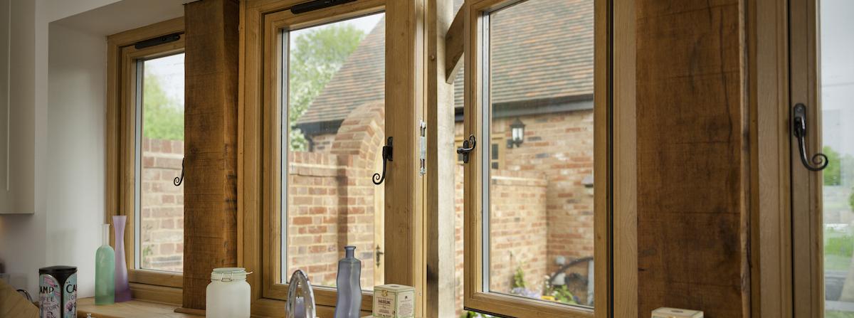 R9 Irish Oak Window