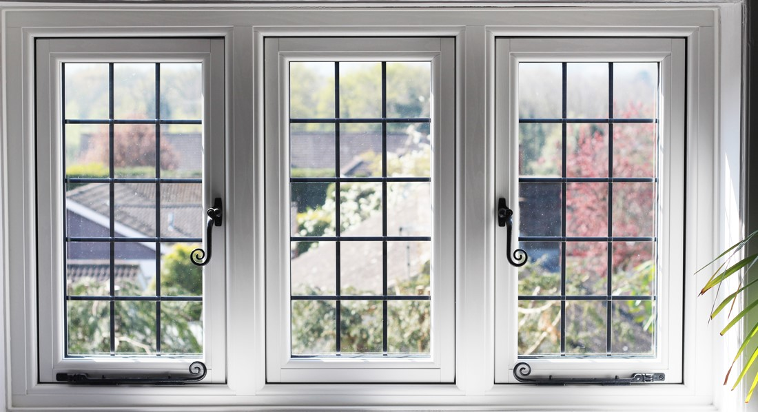 Residence 9 White Window
